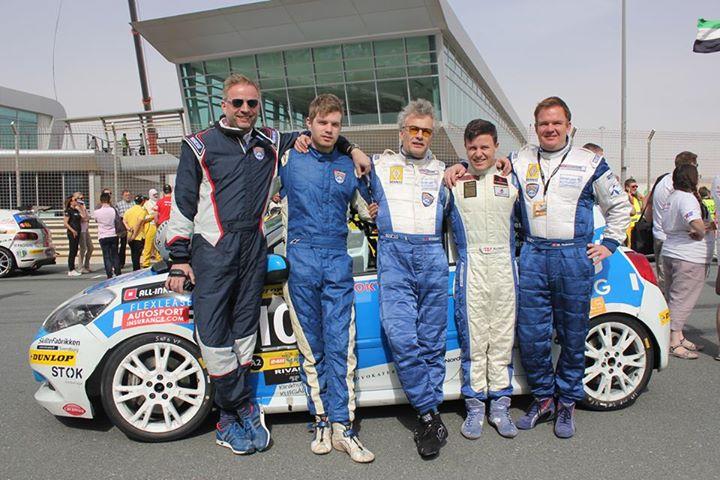 AD Racing vogn no. 107 fra Dubai 11-01-2013